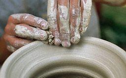 hands-pot